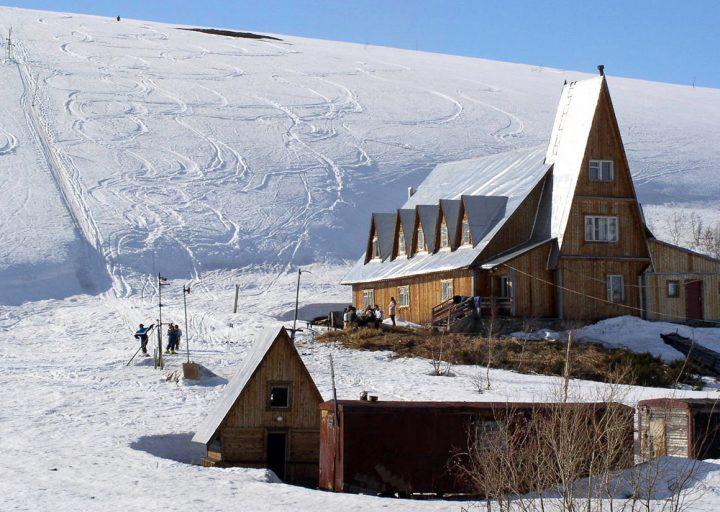 Горнолыжная база Ямалгеофизики. 2003 год