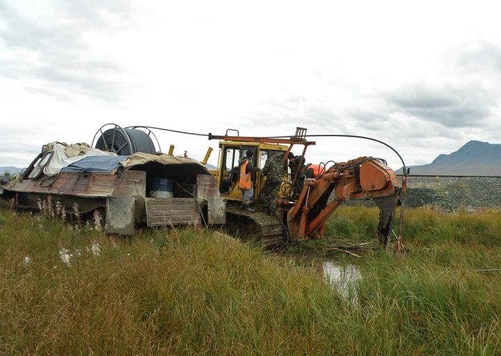Заправка тракторов. Обслуживание кабелеукладчиков Спецтрансавтоматики