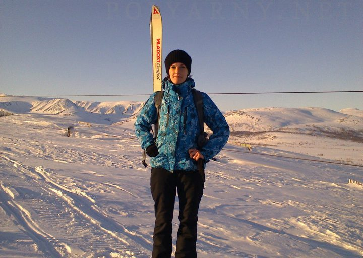 Аня Перминова на горнолыжке