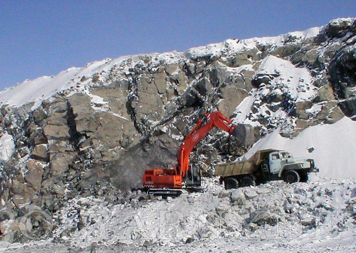 Опытная добыча хромитовой руды на