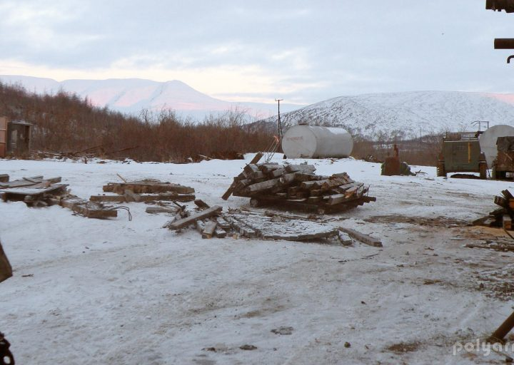 Натаскали дров