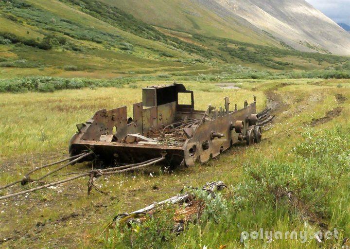 Вездеход из САУ-76 траспортируется