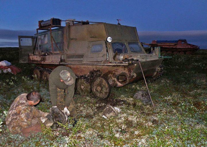 Замена бортовой передачи на ГАЗ-71 в пути ночью