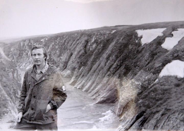 Федотов Сергей на фоне каньона Кары
