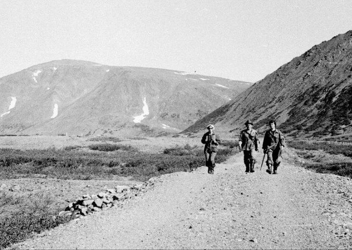 Идем к Харбейскому руднику. Афанасьева, Брагин П.Е., Борис. 1976 г.