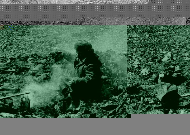 Павел Ефимович Брагин на маршруте. Обед. 1976 г.