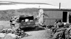 106-й. Грузимся для заброски в горы. 1976 г.