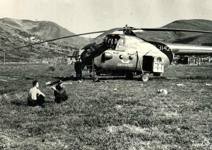 Транспортный Ми-4 прилетел на Харбей 1961