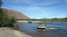 Часть летней дороги на Полярный пролождена по реке, с косы на косу