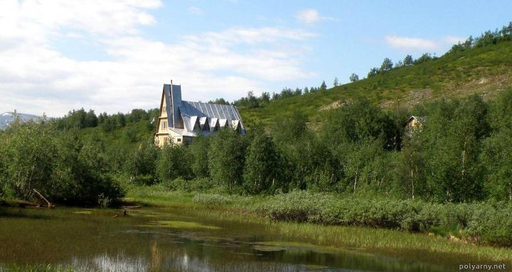 Теремок горнолыжной базы бывшей ОАО «Ямалгеофизика» до пожара