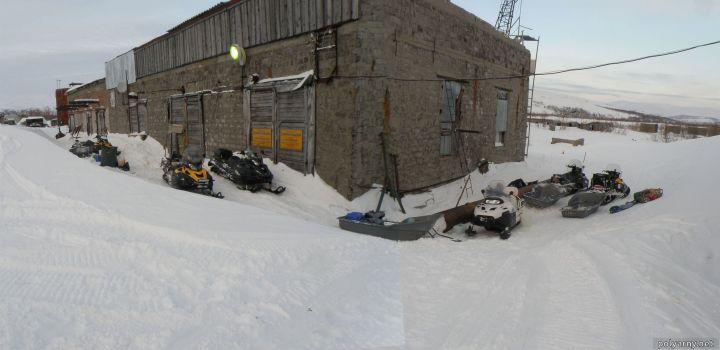 18 апреля 2016 года в гостях были столичные снегоходчики трансполярноуральского пробега