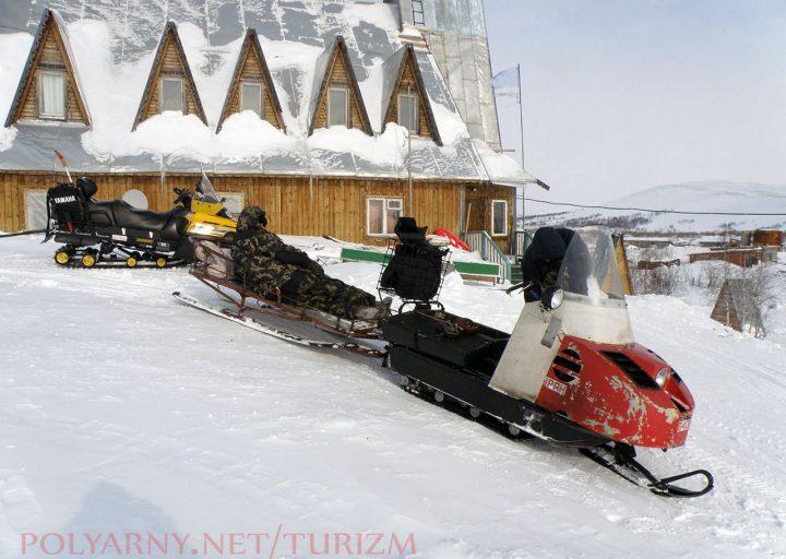 Снегоходы гостиничного комплекса