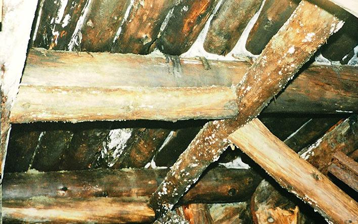 Комбинированная усиленная крепь кровли штрека у рудоспуска. Блок 4. Харбей, 2004