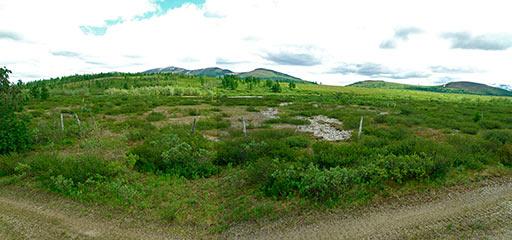 Площадка особого лагерного пункта №57 с остатками периметра из колючей проволоки
