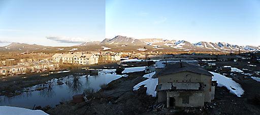 База геологов Полярный на 110-м км вечером 7.06.2015