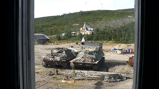ГТ-Т2 вернулся на базу без двух передних слева торсионов. Поселок Полярный. 10.08.2015