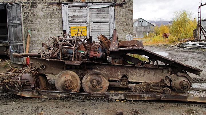 Трактор ТДТ-40 доставлен на базу Перевал. Сентябрь 2017.