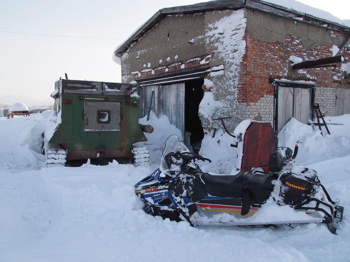 Два Арктиккэта попавших в буран лабытнангцев