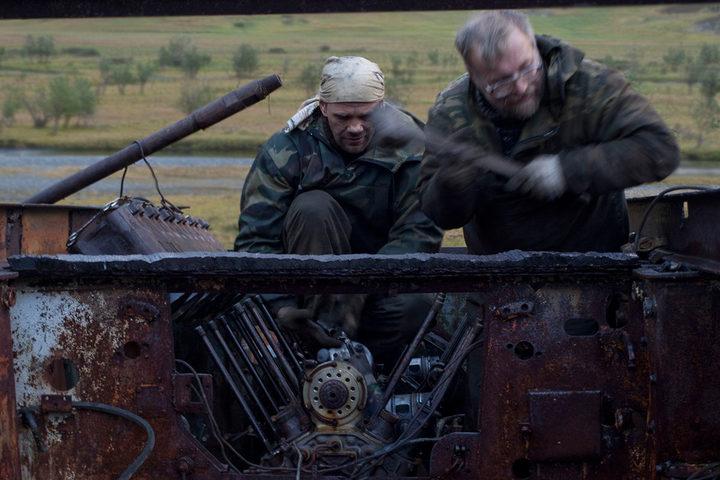 Блоки цилиндров В-2-34 сняты. Двигатель вращается свободно