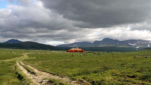 Долина выше поселка с реконструкцией пуска 1961 года