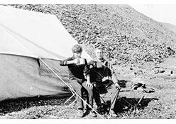Юрик Ухалов и я в лагере. Без комментариев у оз. Б. Щучье