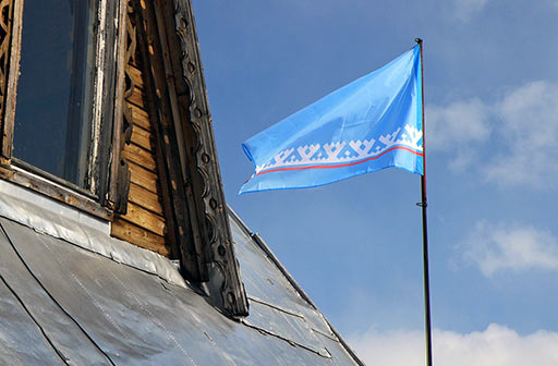 Флаг ЯНАО над Теремком