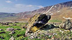 Глыба с хромитовой рудой. Собь-Райизский участок. Фото Попова И.И.
