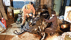 Группа из Нижневартовска. Попытка устранить неполадки в двигателе иномарки. База Перевал 2 апреля 2014