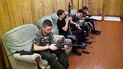 Чистка оружия. База Перевал. Октябрь 2013