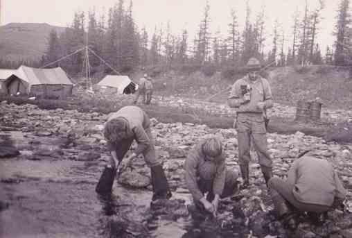 Лагерь Островского на слиянии Хараматолоу