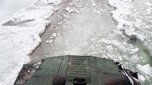 Много воды в распутицу. Спасоперация АТ-С Макаррузь 25.05.2014