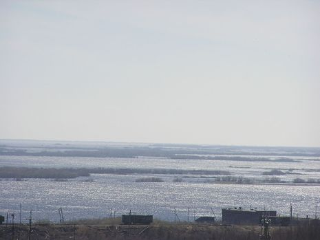Самый крайний тупик Северной ж.д. Берег Оби в г.Лабытнанги.15.06.08
