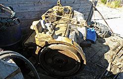 Старогодный двигатель подготовлен для установки