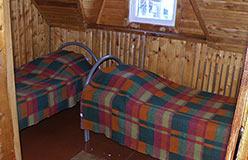 Теремок - гостиница горнолыжки. Номер с тремя кроватями на втором этаже