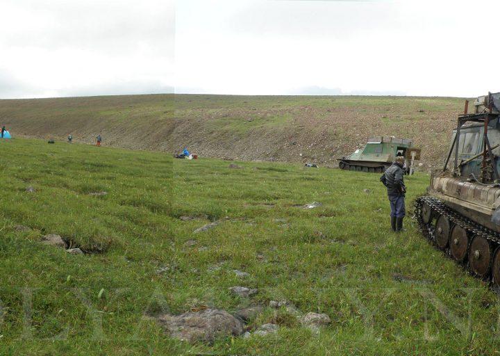 Постановка лагеря перед подъемом на вершину Пайер