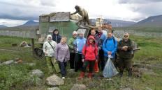 Группа байдарочников из Минска пересекает речку Яйю
