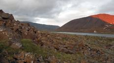 Дорога по берегу озера Верхняя Хойла