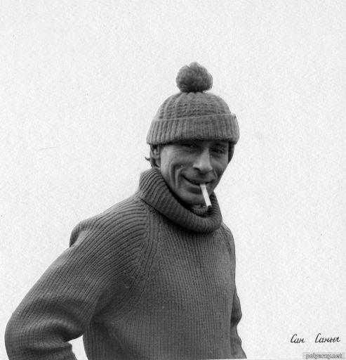 Водитель Александр Александрович Кабанцев. Газон был арендован на полевой сезон у Полярноуральской экспедиции вместе с ним